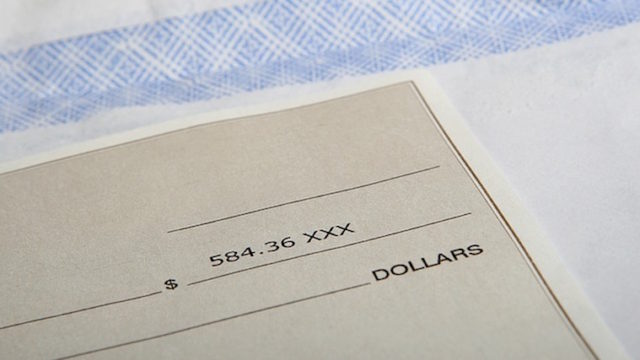 カナダ、ユーコンで小切手の書き方